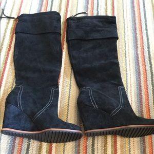 Inka tall wedge boot